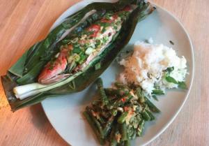 Vis in zoutkorst BBQ Big Green Egg recept bananenblad