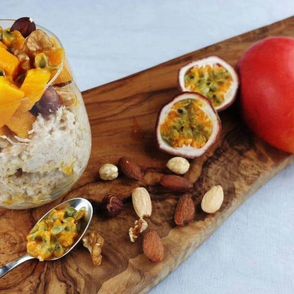 kokosmelk met havermout en mango passievrucht nootjes lekker Thailand recept