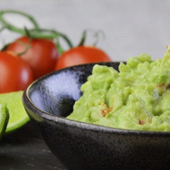 guacamole recept met tomaat Mexicaans dip avocado zelf maken zelfgemaakt