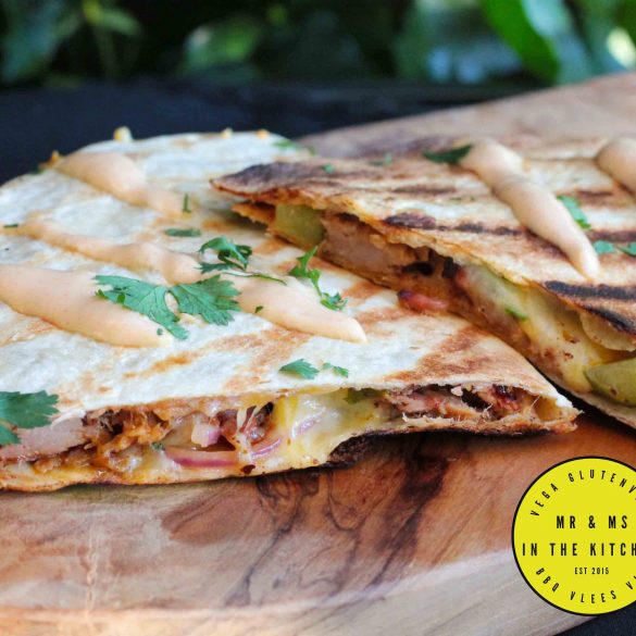 pulled pork quesadilla quesadillas tortilla tortillas Big Green Egg BBQ barbecue kamado Mexicaans Mexican mr and ms in the kitchen