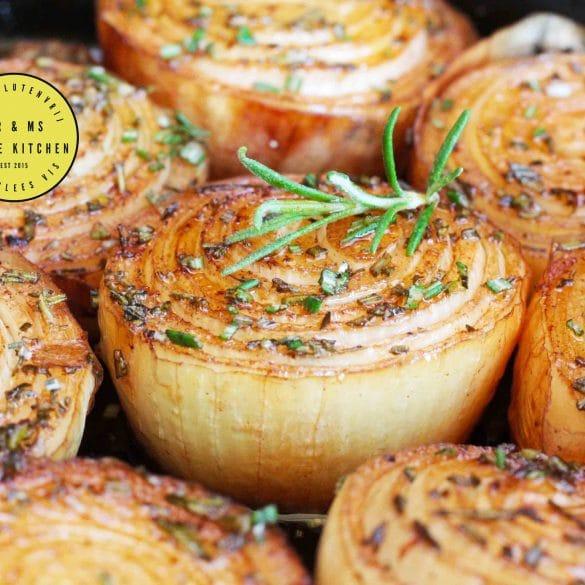Gemarineerde en geroosterde ui van de BBQ Big Green Egg kamado barbecue recept ui uien onions mr and ms in the kitchen