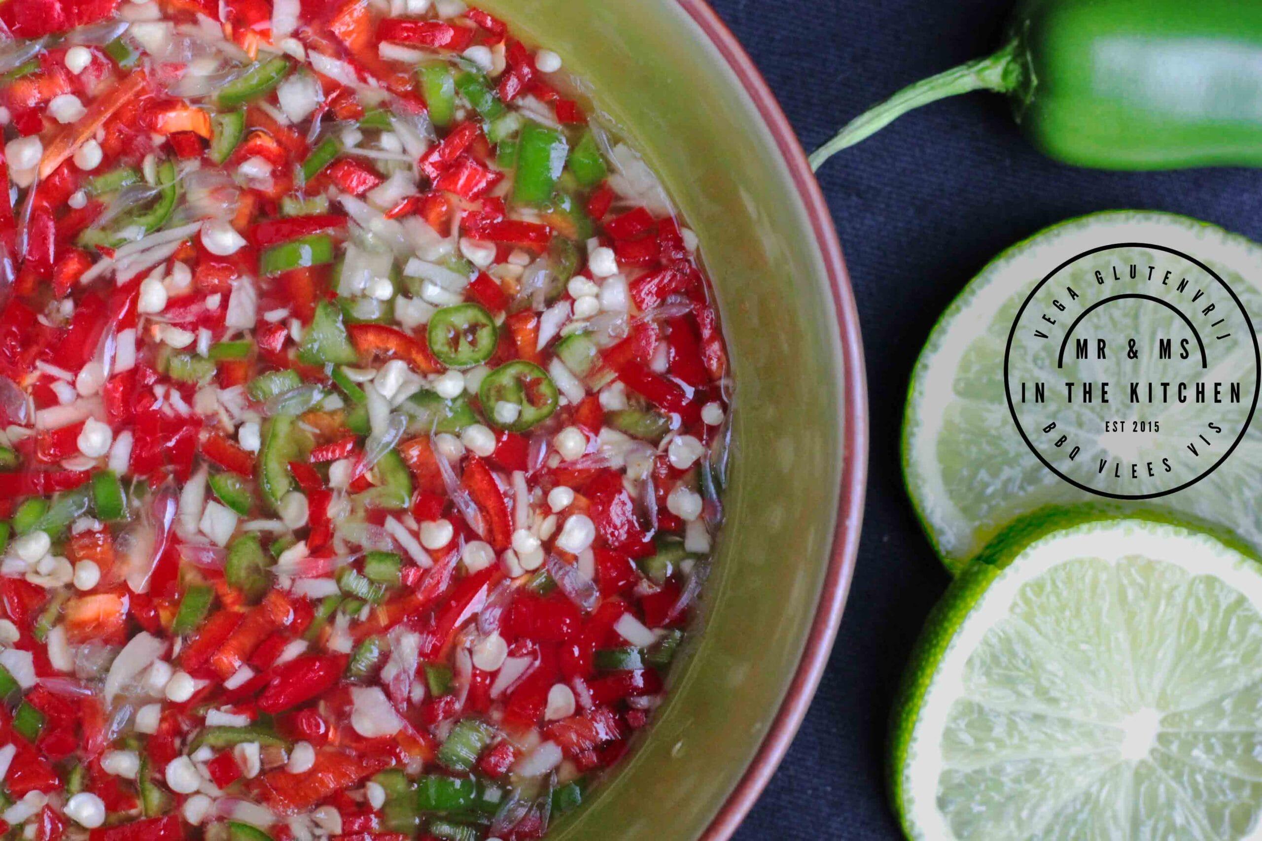 Thaise dipsaus: Nam pla prik vis saus heet peper pepers Thailand Thai Thais Thaise knoflook limoen suiker recept mr and ms in the kitchen