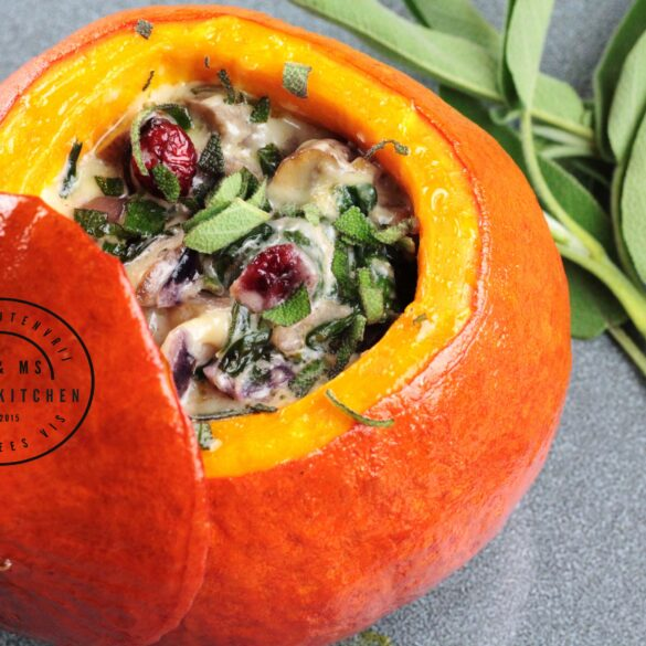hele pompoen op de BBQ Big Green Egg barbecue recept mr and ms in the kitchen butternut