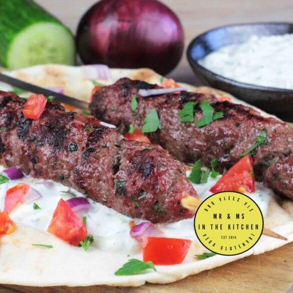 Griekse kofta van de BBQ Big Green Egg köfte recept barbecue Griek Griekenland tzatziki